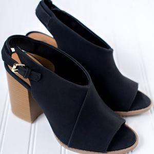 Peep Toe Block heels